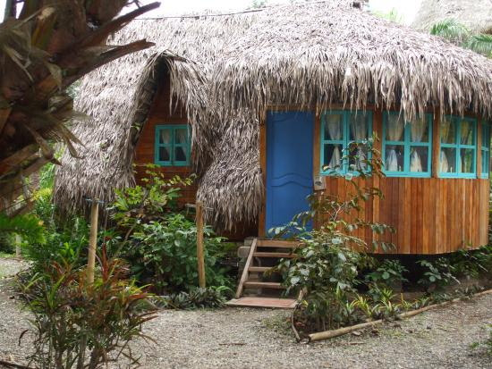 Alandaluz Hosteria y Pueblo Ecologico: One of the many huts at the lodge