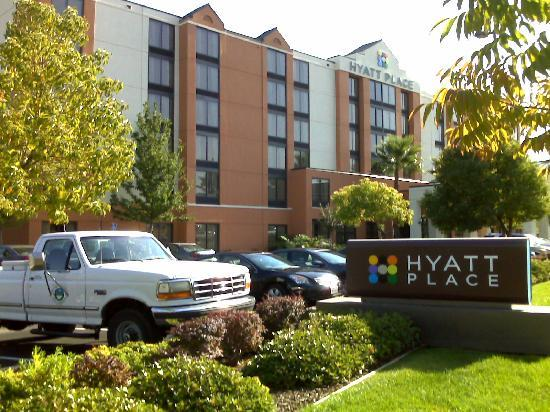 Hyatt Place Sacramento/Rancho Cordova: Exterior from the North Side