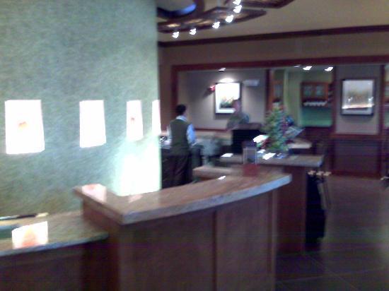 Hyatt Place Sacramento/Rancho Cordova: Front Desk