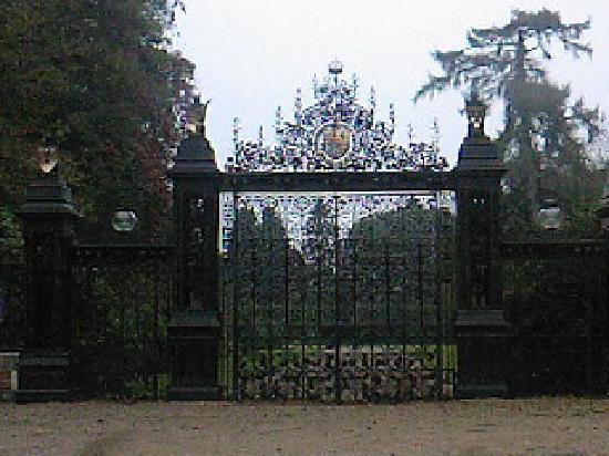 Sandringham, UK : Gates