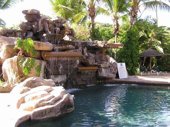 Galley Bay Resort & Spa: Pool area