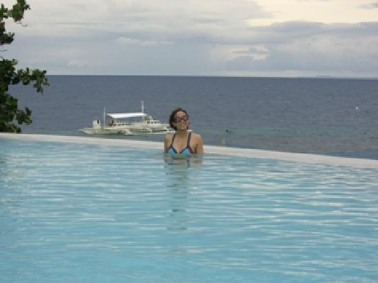 Amorita Resort: inifnity pool with sea view