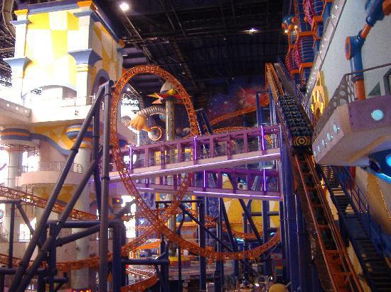 Shangri-La Hotel Kuala Lumpur : indoor rollercoaster