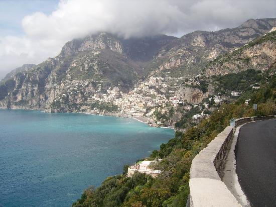 Villa Monica B&B: la strada che da positano porta a villa monica