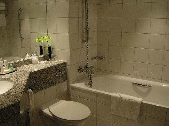 Bathroom with narrow bathtub picture of leicester for G bathrooms leicester
