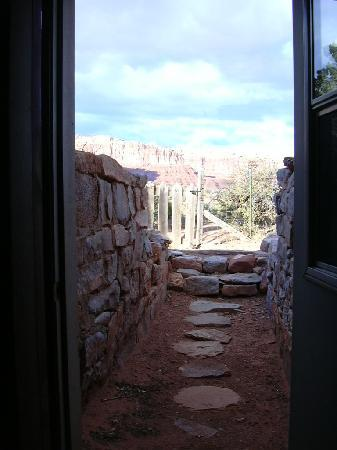 Valley of the Gods Bed and Breakfast: bedroom door into desert