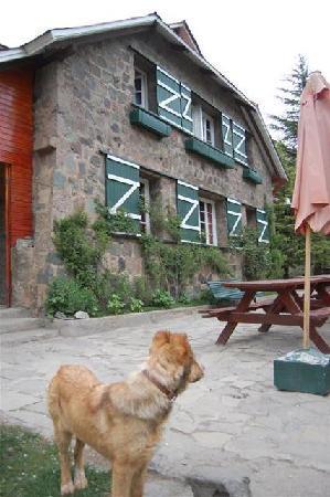 Refugio Lo Valdes: Front view of refugio