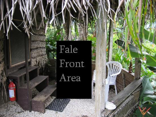 Heilala Holiday Lodge: Front of the Fale