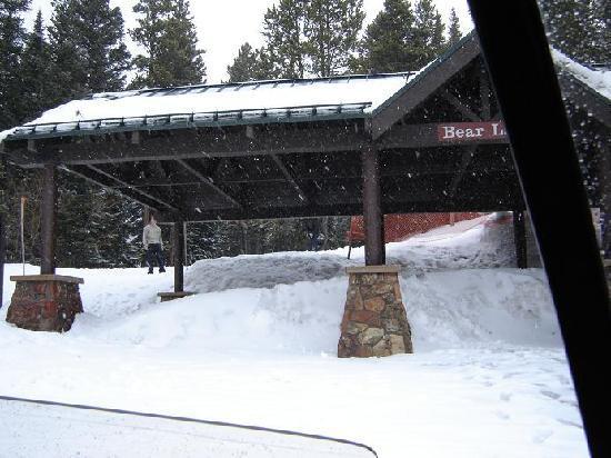 Bear Lake: snowing