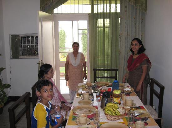 Garden Villa Homestay: Garden Villa Agra