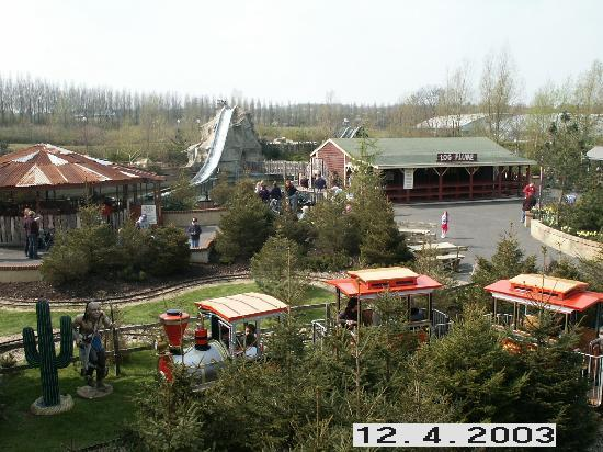 Gulliver's Land: Log flume (water splash) & train