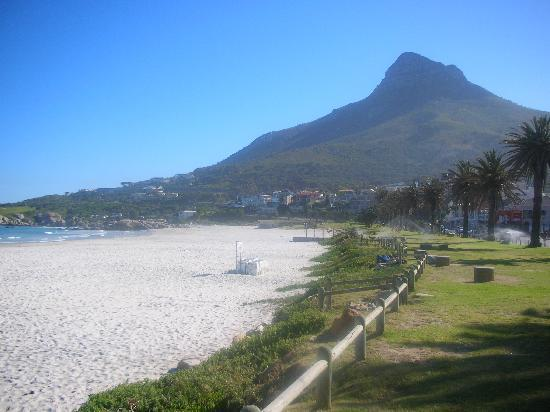 Bali Bay Luxury Apartments : Camps Bay Beach