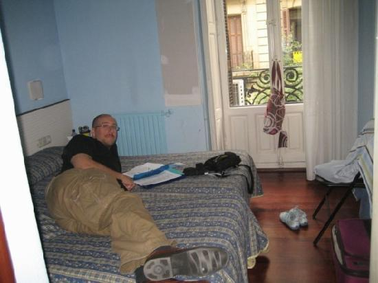 Pension Donostiarra: The Whole Bedroom!
