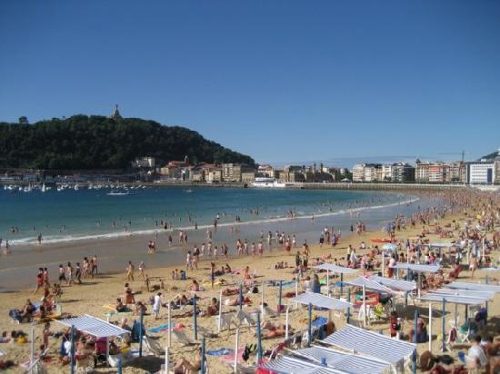 Pension Donostiarra : The incredible beach