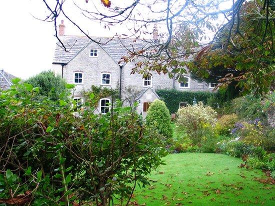 Kimmeridge Farmhouse Bed & Breakfast: View of Kimmeridge Farmhouse