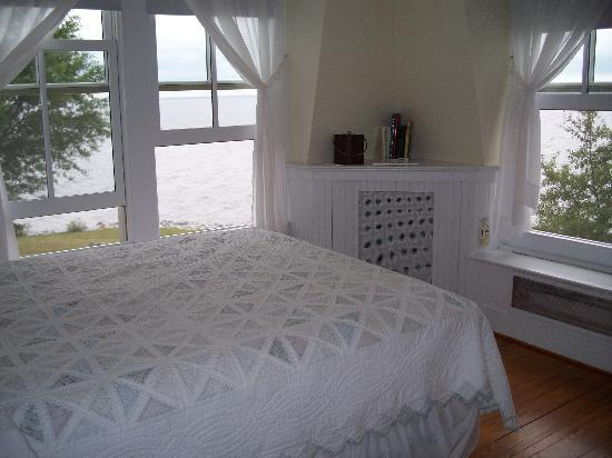 Wades Point Inn on the Bay: Sunset Room