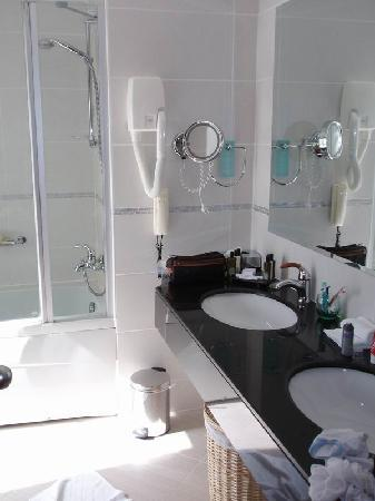 Club Med Palmiye: Bathroom 1 (suite)