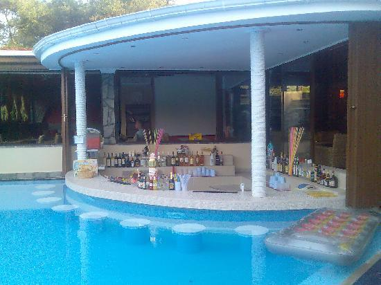 Theodoros Resort Poolbar