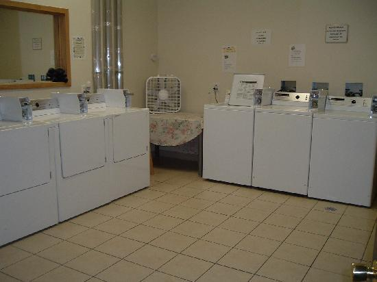Bellwood Hotel: They had laundry room