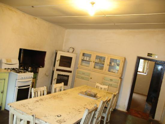 Rocky River Heritage Accommodation: kitchen