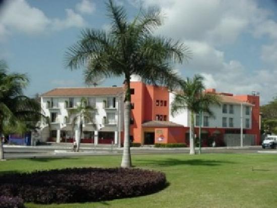 Gran Hotel Huatulco: Centrico hotel en Huatulco