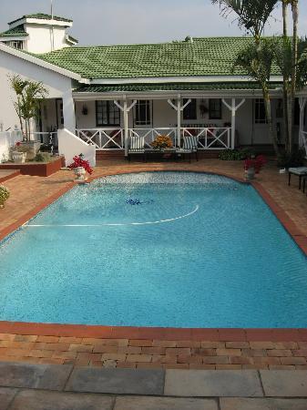 Shandon Lodge: pool
