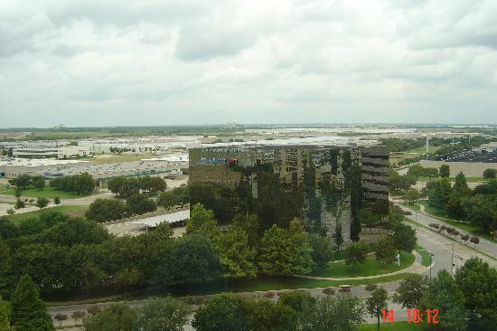 DFW Airport Marriott South : View from the room window