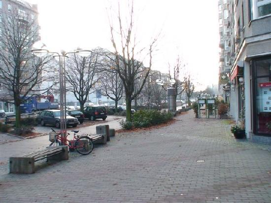 Apartments am Brandenburger Tor: Walkway