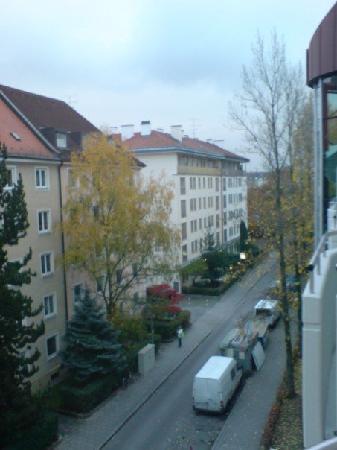 Leonardo Hotel & Residence München: View from the balcony