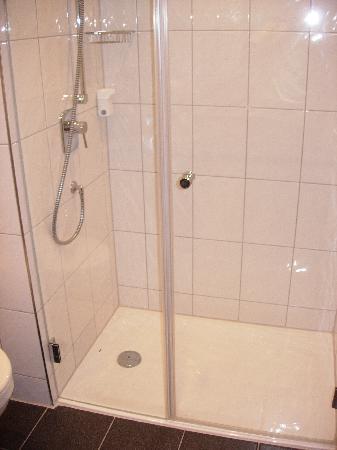 Hotel Goldener Pflug : Badezimmer 2