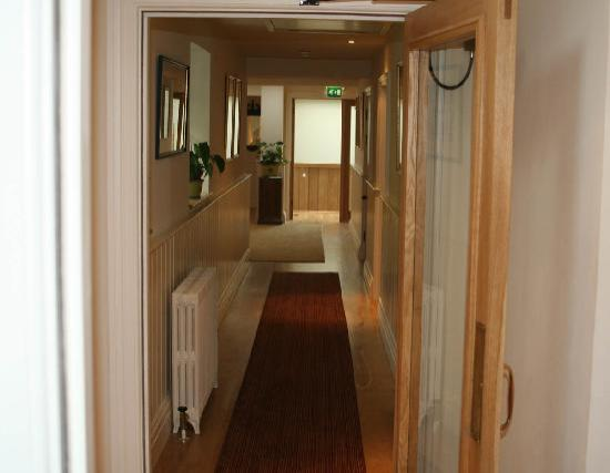 Gidleigh Park : hallway