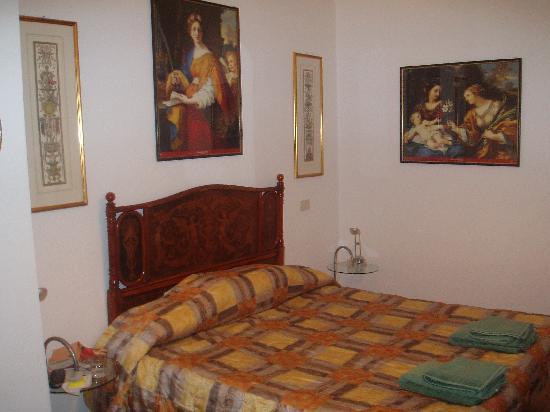Antiqua Roma: Our room