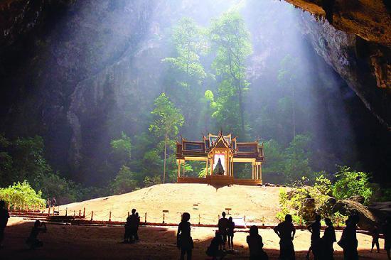Prachuap Khiri Khan Province, Thailand: Thampayanakorn Cave