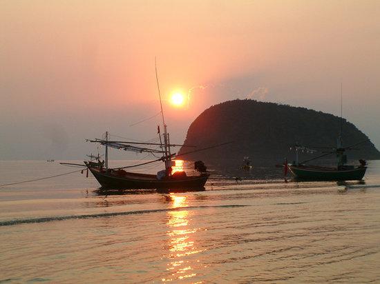 Prachuap Khiri Khan Province, Thailand: Sam roi yod beach