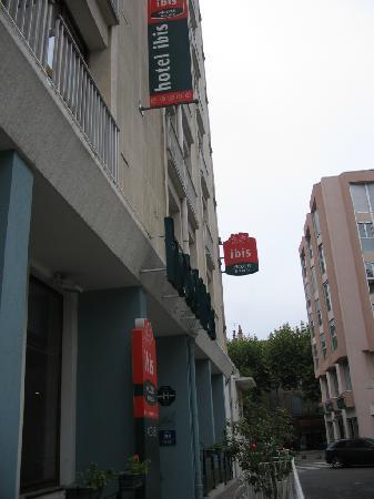 Ibis Millau: entrata esterna