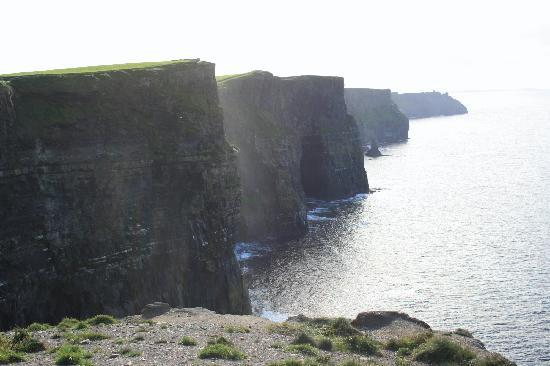 Vaughan Lodge: The nearby Cliffs of Moher
