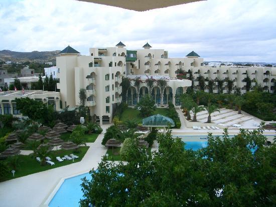 Nahrawess Hotel : Hotel grounds