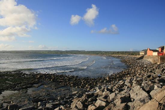 Vaughan Lodge: Lahinch sea front