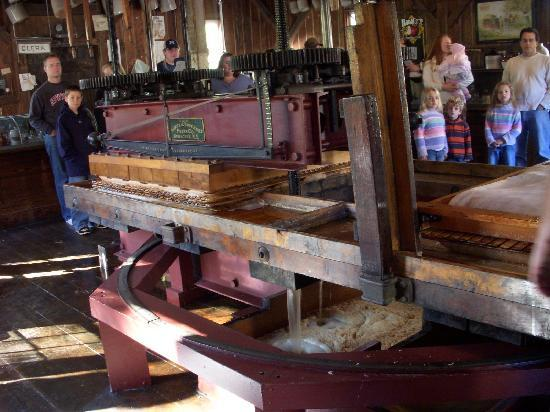B.F. Clyde's Cider Mill: Apple Cider being made