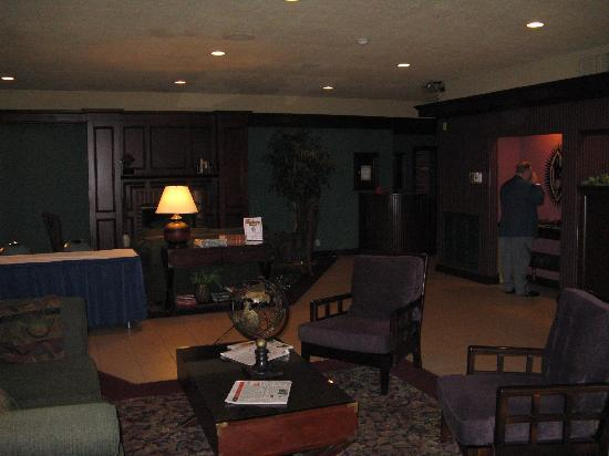 Ramada Ithaca Hotel & Conference Center: lobby