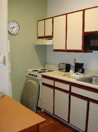 Extended Stay America - Chicago - Lombard - Yorktown Center: studio apt kitchen I never used