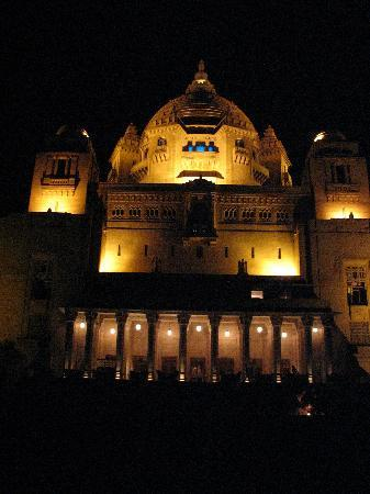 Umaid Bhawan Palace Jodhpur: Umaid Bhawan at night