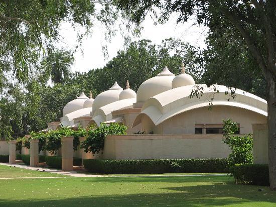 Amanbagh: Pavilons