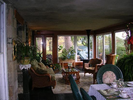 Morgan Samuels Inn: Sun porch