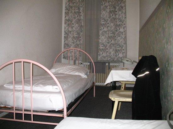 Hotel Garni Flora: room