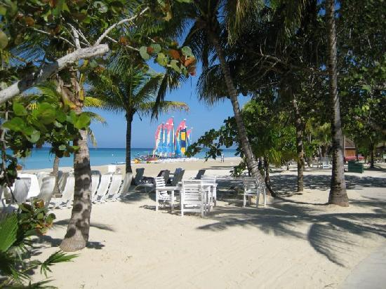 beach scene picture of couples swept away negril tripadvisor rh tripadvisor co za