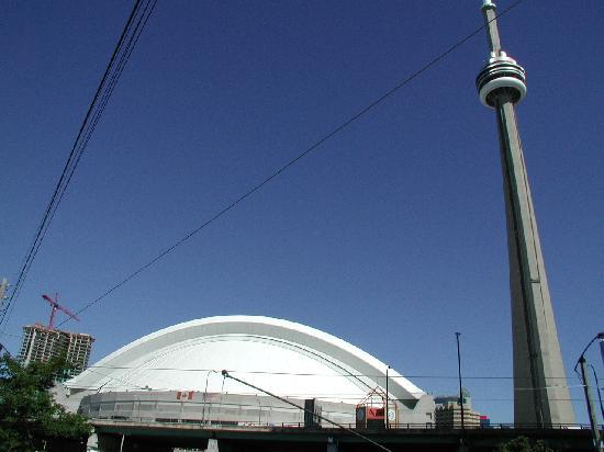 sky dome and cn tower picture of cn tower toronto. Black Bedroom Furniture Sets. Home Design Ideas