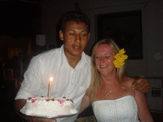Halomy Hotel : birthday cake