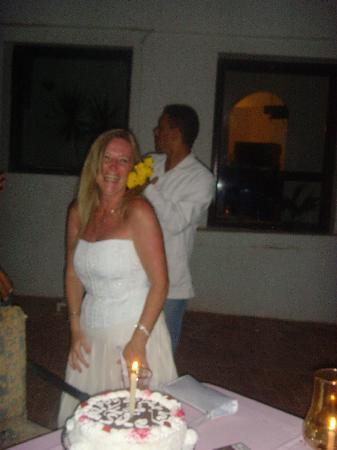 Halomy Hotel : happy birthday to me