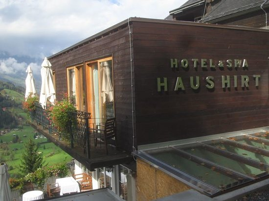 Haus Hirt: View from the outside